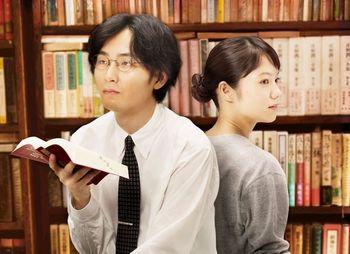 書棚と宮崎あおい